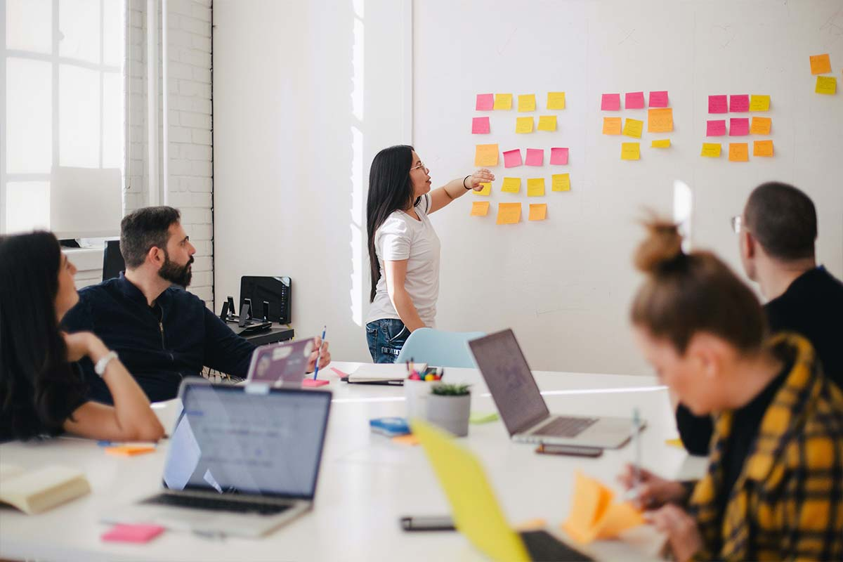 Budaya Kerja yang Positif dengan Menggunakan Post It Notes